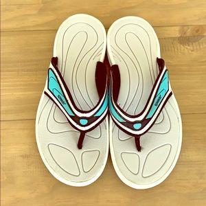 Speedo flip flops
